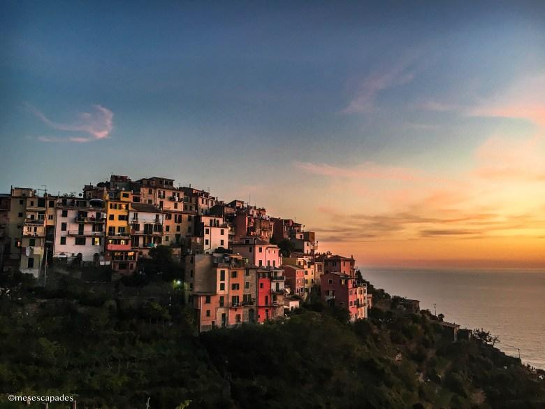 Corniglia sous les couleurs du coucher de soleil