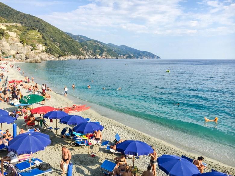 La plage du village de Monterosso
