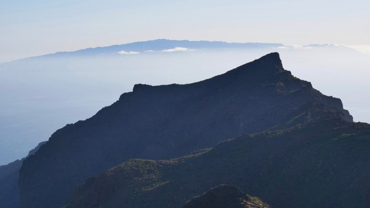 Une vue incroyable surplombant la mer et la Gomera