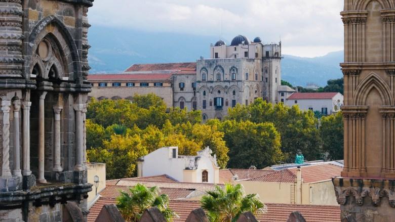 Vue sur les toits de Palerme, depuis le toit de la cathédrale.