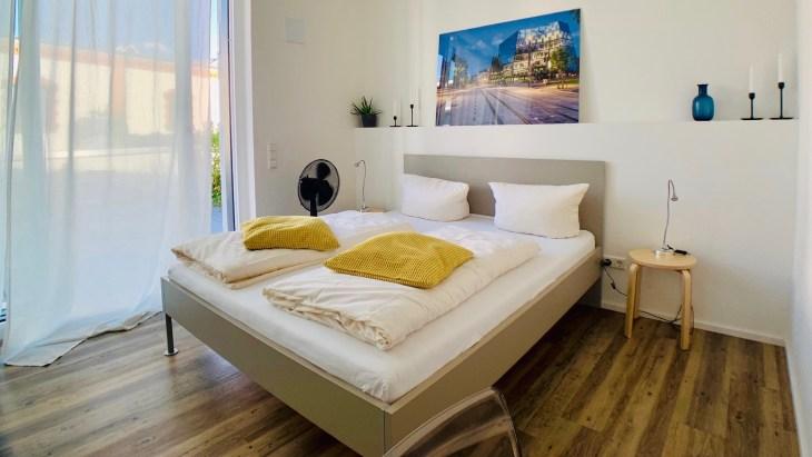La chambre de l'appartement loué via Booking pour notre séjour.