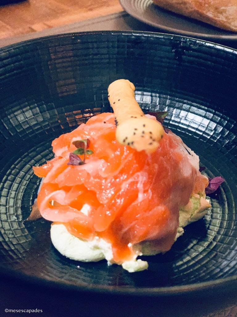 Saumon fumé et son bagel cream cheese, La Calypso, restaurant raffiné de Cabourg
