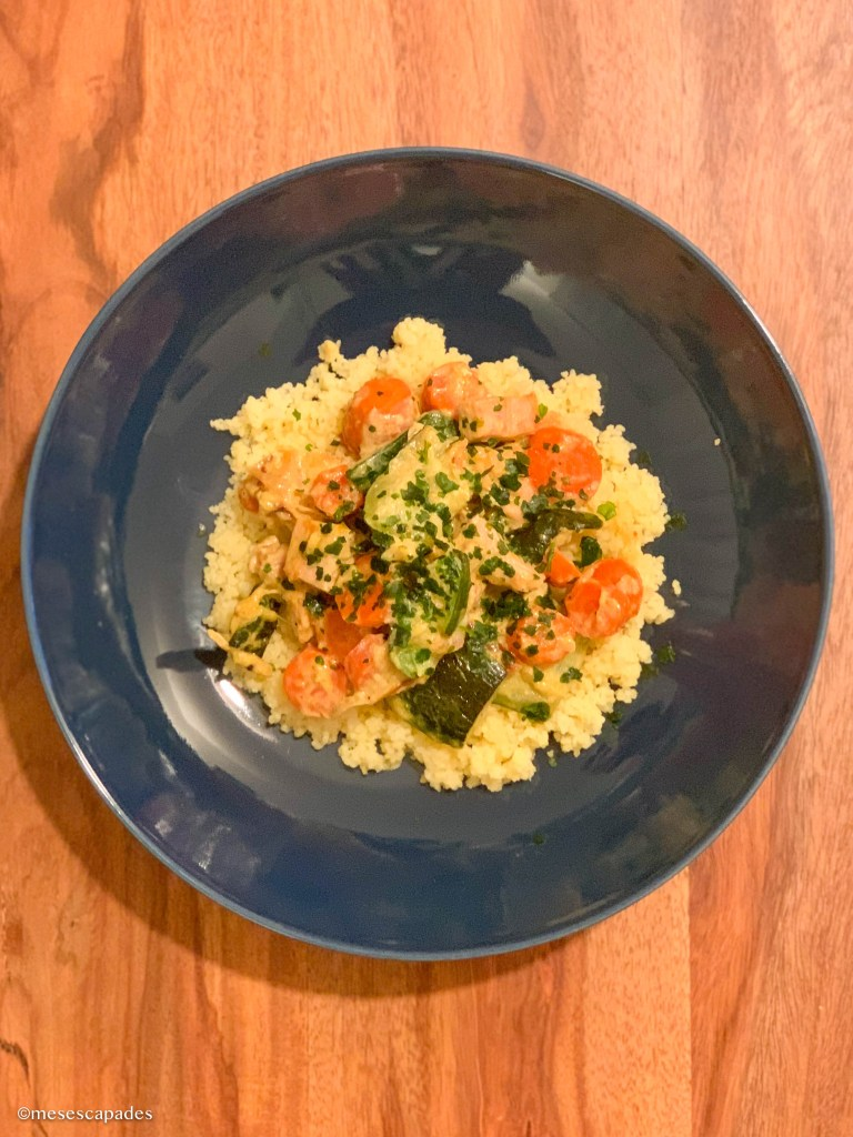 Wok carottes et courgettes, dinde et semoule