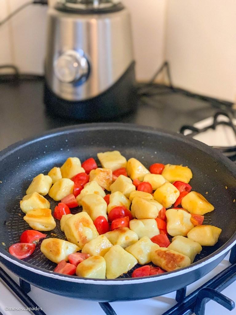 Gnocchis de pomme de terre poêlés et ses tomates cerises