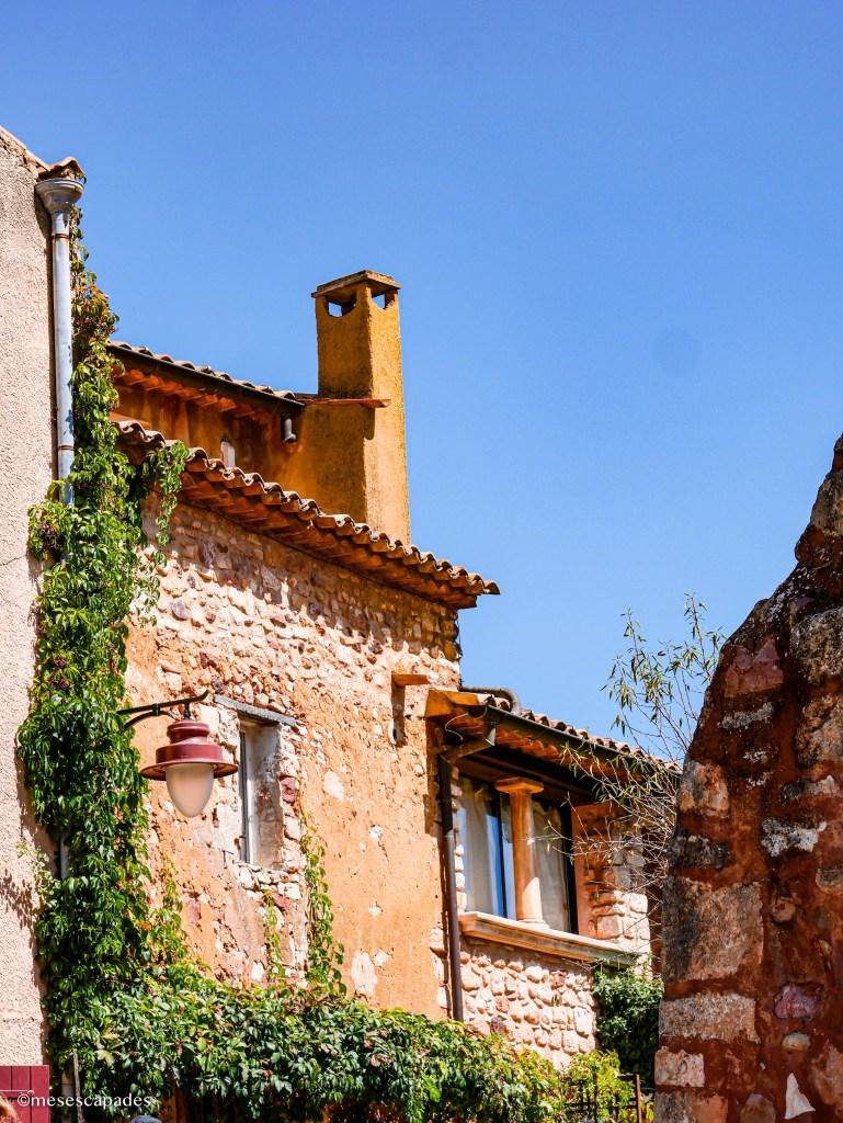 Balade dans les ruelles de Roussillon