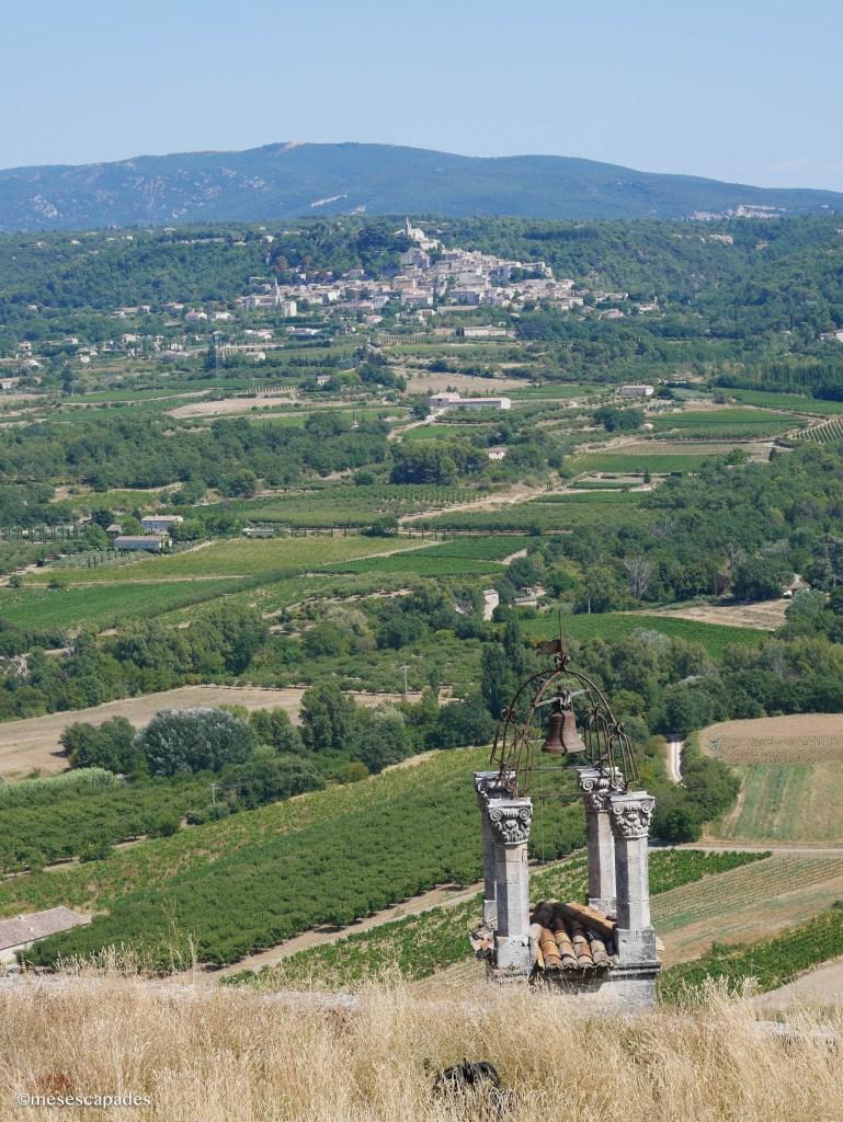Vue sur Bonnieux depuis le village de Lacoste