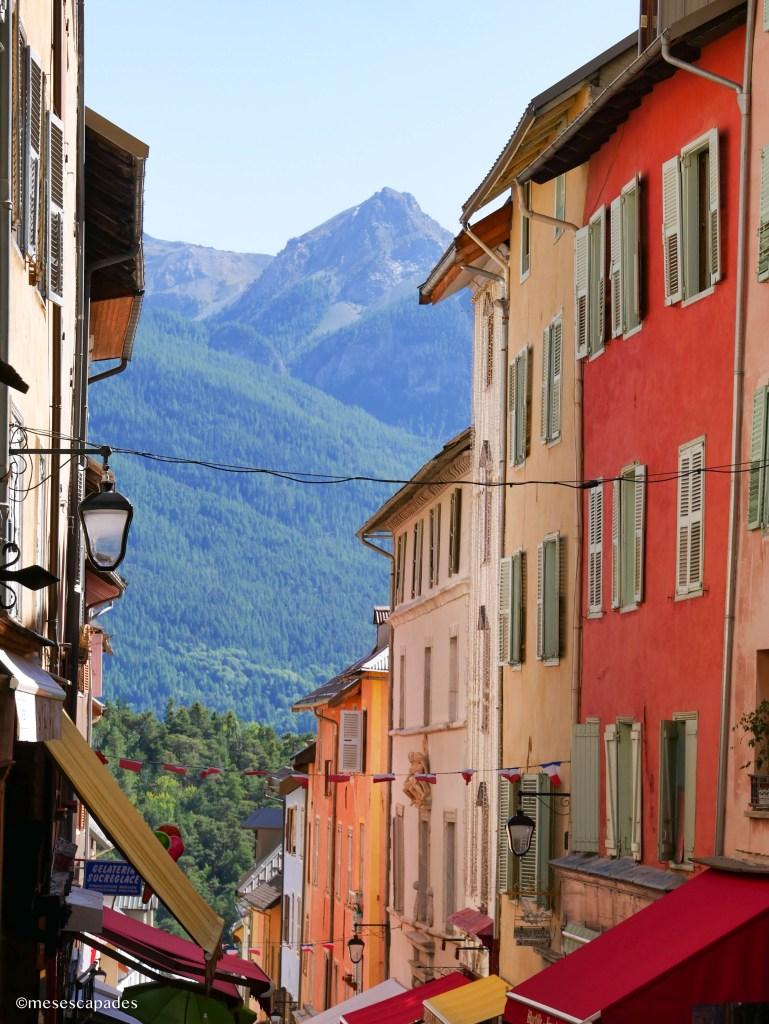 Les immeubles colorés de Briançon