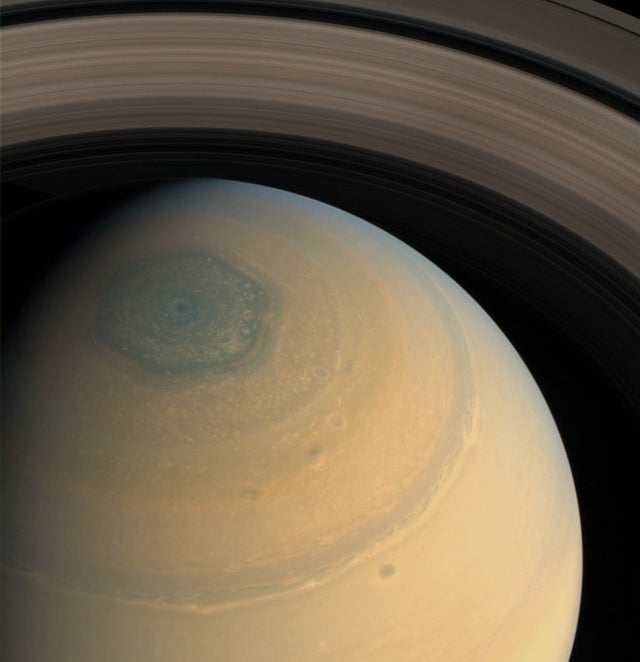 They find a second hexagon in the stratosphere of Saturn