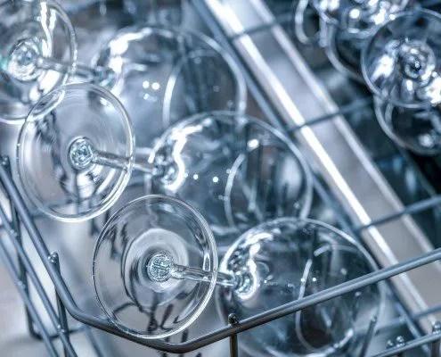Comment éviter d'avoir un voile blanc sur les verres avec un produit lave vaisselle maison ?