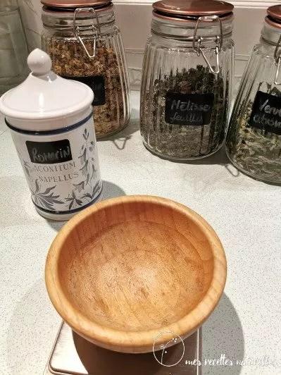 Comment préparer un mélange de plantes pour faire une tisane digestive ?