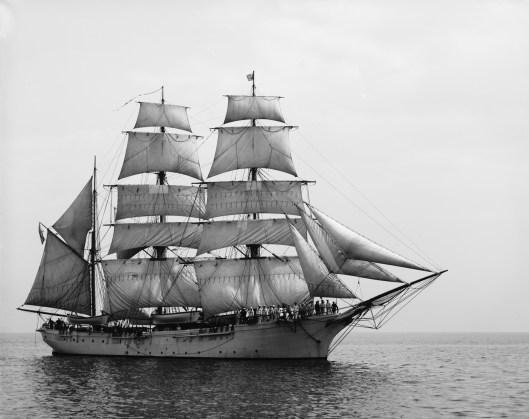 bark-or-barque-style-sailing-ship