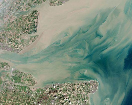 1125px-Thames_Estuary_and_Wind_Farms_from_Space_NASA