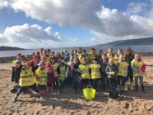 Inverkip Kids Find a Message in a Bottle During Beach Clean