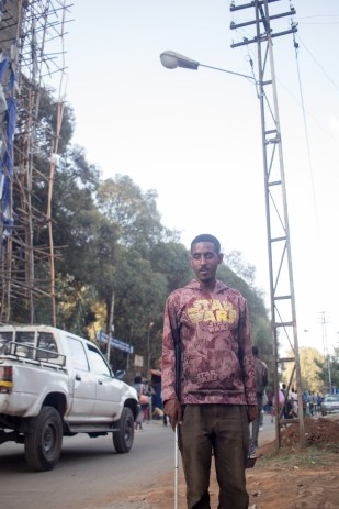 """""""I hope that someday I can go abroad to master Electrical Engineering and come back knowing how to install electricity lines. Then I want to install it far into the rural areas of Ethiopia. I believe that light is crucial."""" """"ራዕዬ ወደፊት የኤሌክትሪክ ባለሙያ ሆኜ ወደ ገጠር አካባቢ የመብራት መስመሮችን መዘርጋት ነው፡፡ ምክንያቱም ብርሃን እጅግ አስፈላጊ ነገር ስለሆነ፡፡"""""""
