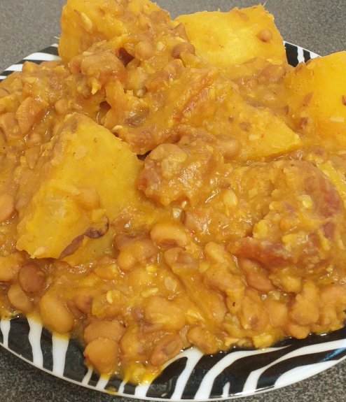 how to cook Nigerian yam and beans porridge