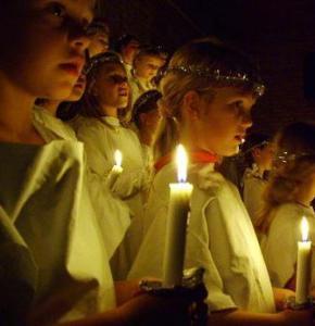 boy-girl-present-lit-candles
