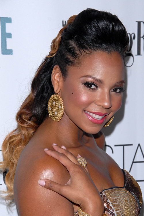 Ashanti Ponytail Hairstyles With Color Messymandella