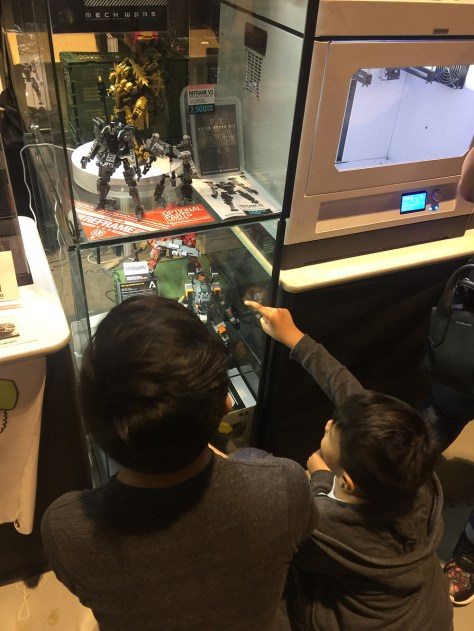 Even happier when people especially kids take interest in my display. This kid was really hooked on my Titanfall FS-1041 build
