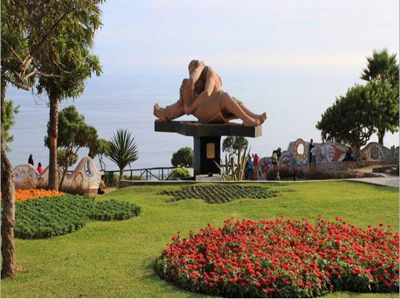 parque del amor-Lima