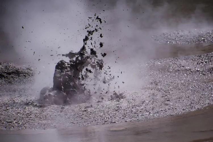 explosion-boue
