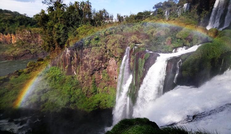 Chutes Iguazu arc-en-ciel