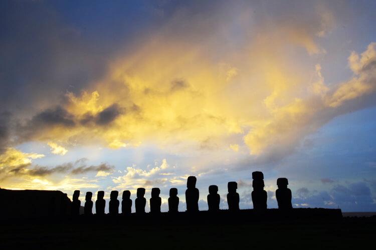 Île de Pâques Ahu Tongariki lever soleil