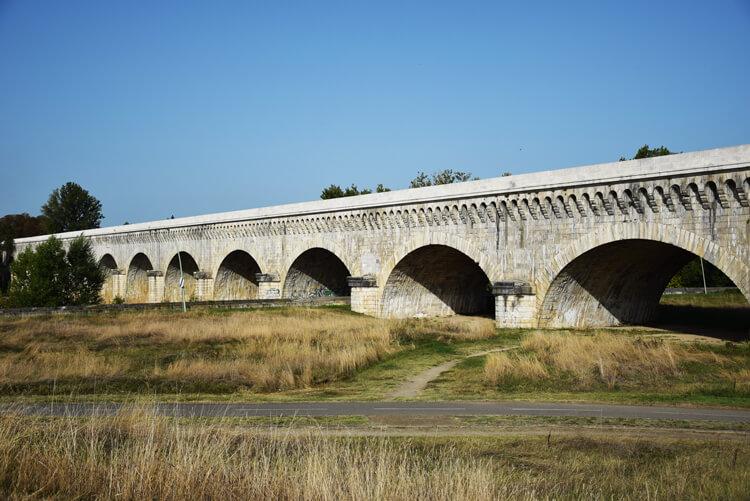 canal des deux mers à vélo Pont canal Agen