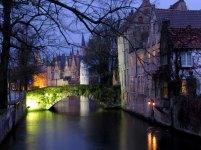 Bruges - Sur les bords du canal, de nuit