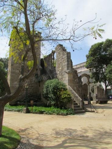 Evora - Jardin publique, ruines déplacées