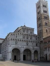 Lucques - Chiostro della catedrale - piazzale G Anigoni