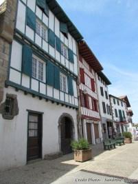 Pyrénées-Atlantiques - Espelette - Au hasard des rues