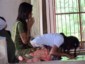 Bagan - Temple 'Baw-Daw-Nalin', temps de prières