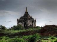 Bagan - Temple 'Thatbyinnyu'