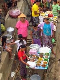 Voyage en bateau sur la Rivière Irrawaddy de Bhamo à Kata, village Kata