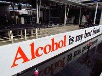 Phayao - Au hasard des rues, 'pub pour l'alcool'