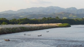 Sop Ruak - Golden triangle - Monument 'Phra Chiang Saen Si Phaendin', vue sur Myanmar