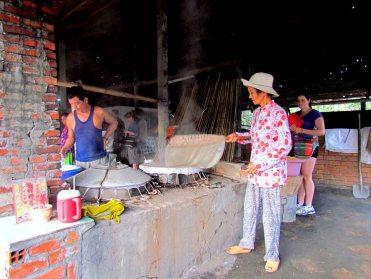 Can Tho - Fabrication de noodles de riz