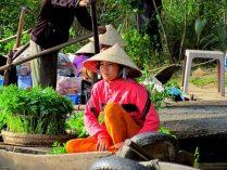 Can Tho - Sur la rivière 'Hau' - Marché flottant 'Phong Dien'