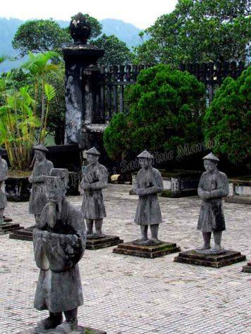 Hué - Tombeau de l'empereur Khai Dinh