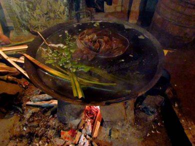 Sapa - Ta Phin Village - Homestay, préparation de l'herbal bath