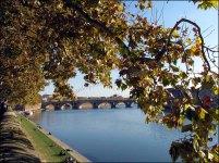Haute Garonne - Toulouose - Quai Saint-Pierre - Sur les bords de la Garonne, vue sur le pont Saint-Pierre