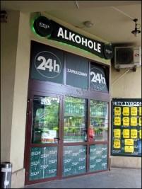 Cracovie - Au hasard des rues, alcool disponible 24h/24