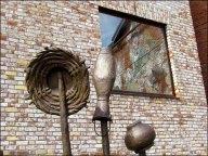 Kazan - Au hasard des rues, rue Kayuma Nasyri, sculptures