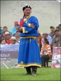 Sur la route, festival du Nadaam de village 'la lutte', arbitre