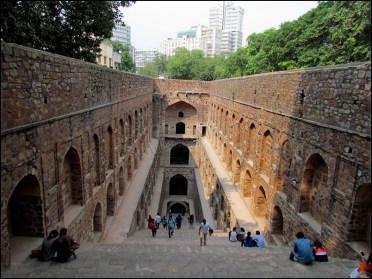 Delhi - Réservoir d'eau 'Ugrasen Ki Baoli'