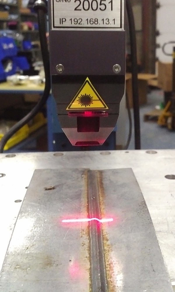 Laser sensor measuring weld bead width and height