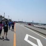 第37回魚津しんきろうマラソンのハーフに参加。暑くて海風が強いタフな大会