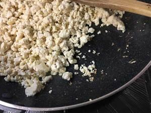 焦げ付いた豆腐