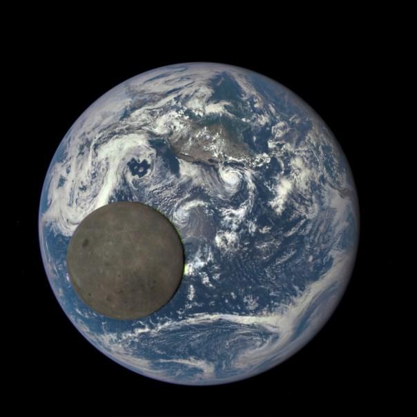 Luna llena, Tierra llena