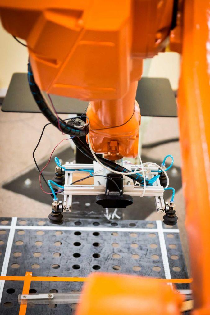 robot-2791678+web